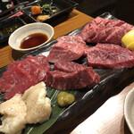 Ushikoi - 牛恋肉5種盛りセット(2人前)