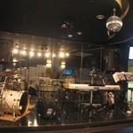 権堂エンターテインメントホール G.G. - ステージでは生演奏やカラオケ、イベントをやっています