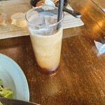 マケイヌノトオボエ - セットのアイスコーヒー