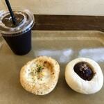 ベイカリー オールド キッチン オーガニック - 料理写真:クリームグラタンパン、あんぱん&アイスコーヒー