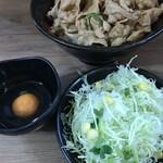 伝説のすた丼屋 - 料理写真:醤油ラーメンセット 税込1,000円