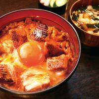 青山 鶏味座 - ランチでも人気の「究極の親子丼」