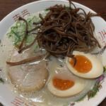 博多ラーメン 山桜 - 料理写真: