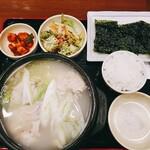韓国料理 扶餘 - 半ゲタン定食+オマケの韓国海苔
