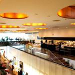 スーホルムカフェ+ダイニング - 解放的な空間です!