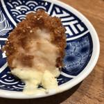 鮨・酒・肴 杉玉 - カニクリームコロッケ(断面)
