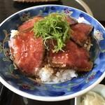 resutoranshinai - ローストビーフ丼 アップ
