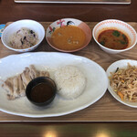 タイハーブレストラン ソムタム by クワンチャイ - ランチプレート バンコク 1200円(税抜)