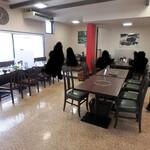 黒豚の館 - 食事スペース