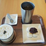茶房 夢テラス - 煎茶 ¥500 団子¥300 ほうじ茶ラテ¥600