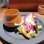 ワインショップ&ダイナー FUJIMARU - ランチサラダ&スープ