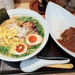 中島亭 - 味噌ら~めん+味玉、半カレー