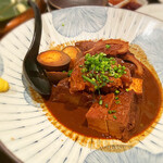 鮮魚とおばんざい 浜金 - 味噌おでん 全てが茶色ですが、味噌がしっかり滲みてる証拠です