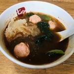 七宝 麻辣湯 - トッピングは塌菜(ターサイ)、海老団子、白木耳