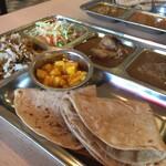 カフェと印度家庭料理 レカ - チャパティもうまー!