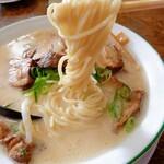 むげん食堂 - 麺リフト トルネード