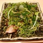 鮨・酒・肴 杉玉 - 〆さば薬味にまみれる 328円