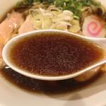 とりそばトシゾー - とりそば スープ