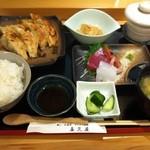 喜久屋 - 日替わり定食刺身付