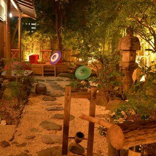飯田橋・神楽坂の露地裏に佇む静謐な和の空間。