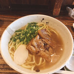 沖縄料理 とんとんみー - ソーキそば
