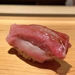 Sakai - 大トロ やま幸さんより152,6kgの蛇腹 荒れた海での漁師さんの作業、手元も狂いますよねそりゃ、この蛇腹はとても美味しいですそんな部位であっても♪