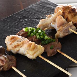 こだわりの【古処鶏】を使用した絶品焼き鳥を美味しいお酒と共に