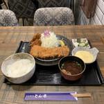 とんかつ とん米 - ロースかつ定食+カキフライ('20/11/09)