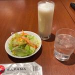 Asian Dining & Bar SAPANA - セットのサラダとラッシー