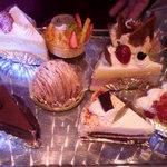 洋菓子工房 プティ・アンジュ - ケーキの見本♪ これ以外にもあるんですって!南側の店舗まで行って選べたりできるの!!!