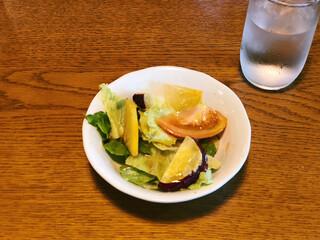 ぴのきお - ついてくる野菜サラダ