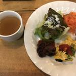 イタリアン酒場 THE MARCHE - ランチプレート(前菜) スープ