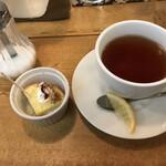 イタリアン酒場 THE MARCHE - ランチデザートと紅茶