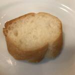 イタリアン酒場 THE MARCHE - 追いパン(1人1個無料)
