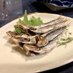 昭和レトロ酒場 倉吉 - 『めざし』様〜マヨと一味で食べるのが流儀ww