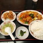 福臨 - 日替ランチB酢豚+鶏唐揚(2コ)定食ご飯大盛り