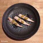 バダローネ - ホロホロ鳥 胸肉のアッローストと黄玉