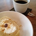 茶日 - ほうじ茶のロールケーキ
