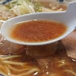 140440233 - スープの表面には油膜があります