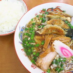 幸徳 - 料理写真:餃子入りラーメン&ライス
