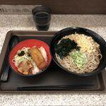 名代 富士そば  - 春巻と焼売の旨辛ミニ丼、たぬきそばセット