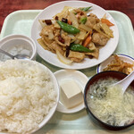 吉田大飯店 - 豚肉薄切り辛子炒め定食 700円