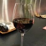 140455249 - 赤ワインはイタリア産のジンファンデル 202011