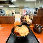 からやま - 料理写真:チーズからたま丼