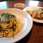 マーゴ - おろしポン酢のシーフード和風オムライスと塩だれチキン竜田