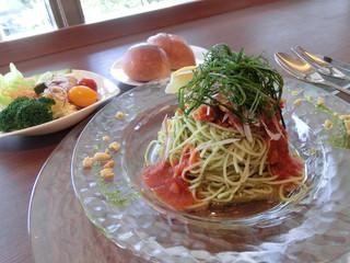 カフェレストラン オリビエ - ずわい蟹とトマトのカッペリーニ、バジル風味
