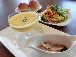 カフェレストラン オリビエ - 夏の美食ランチ(岡山県産黒豚のパンツェッタ、パン、スープ、サラダ)