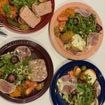サラマンジェ ドゥ カジノ - 前菜の集合写真