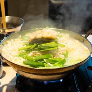 【少人数宴会】×【鍋】×【飲み放題】もつ鍋、てっちり鍋が◎