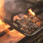 あぶたん - 当店自慢の松阪豚炙り焼き!炭の香りと肉の旨みをご堪能ください!